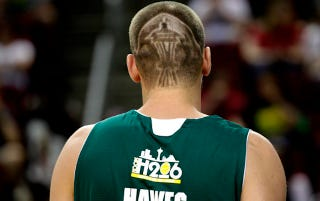 Illustration for article titled Spencer Hawes Honors The Seattle SuperSonics With A Terrible Haircut