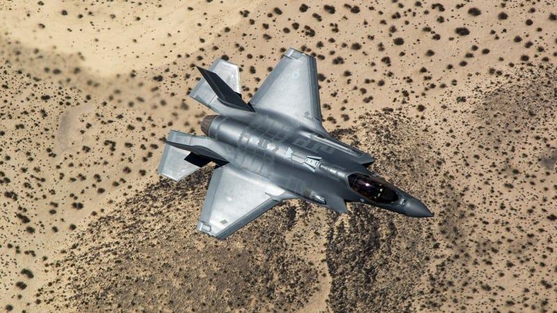 Illustration for article titled Un nuevo problema del F-35 obliga a apagar y volver a encender el radar cada cierto tiempo