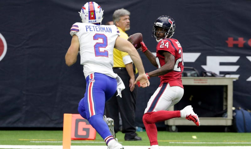 Illustration for article titled Poor Nathan Peterman Reaches New Low With Brutal Game-Ending Pick-Six