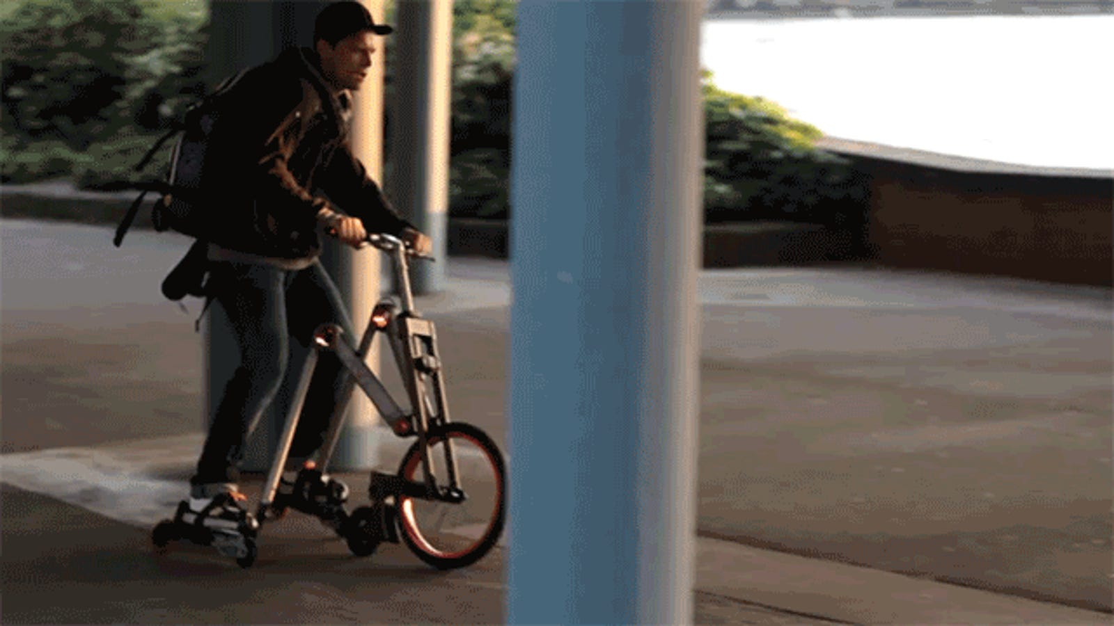 Aeyo, el extraño híbrido entre patinete, bicicleta y patines