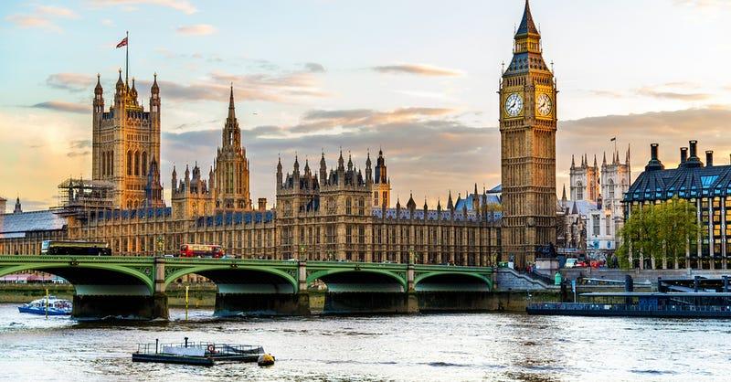 Illustration for article titled En qué consiste la ley que ha aprobado Reino Unido para espiar el historial de navegación