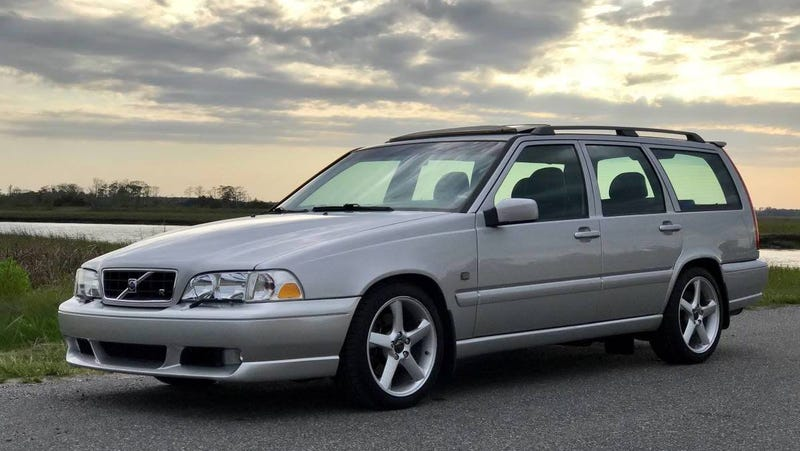 At $15,000, Could This 'Country's Cleanest' 2000 Volvo V70R Totally Clean Up?