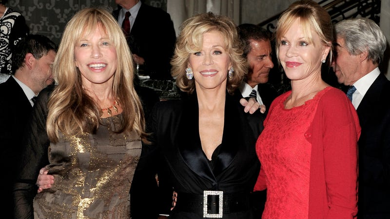 Illustration for article titled Carly Simon, Jane Fonda and Melanie Griffith Hung Out and It Was Great