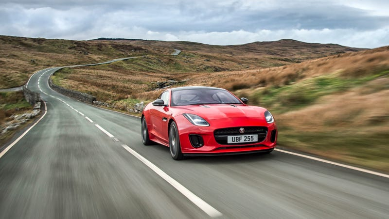 Illustration for article titled The New 296 HP Four-Cylinder Jaguar F-Type Is A Lot Of Show And A Reasonable Amount Of Go