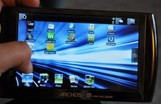 Illustration for article titled Archos 5 Internet Tablet Hands On: Android Power, But Where's the Flash?