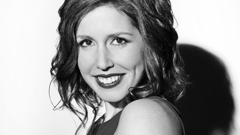 "Illustration for article titled SNL's Vanessa Bayer on why she hates the watery insult behind ""Tomorrow"""