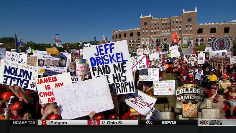 Illustration for article titled Rape Jokes Everywhere: Your College GameDay Sign Roundup