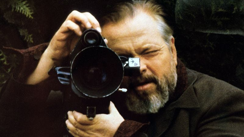 Orson Welles on the set of F For Fake, 1973 (Photo: Apic/Getty Images)