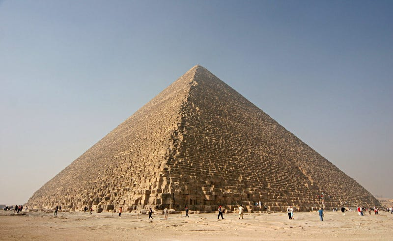 Illustration for article titled German Conspiracy Nuts Vandalize Part of Khufu Pyramid