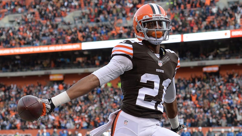 Illustration for article titled Cops: Browns CB Justin Gilbert Wrecked Car After Throwing Dip Spit At Other Driver