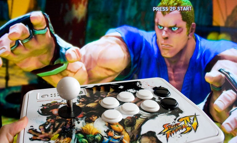 Illustration for article titled Mad Catz Street Fighter IV FightSticks Review