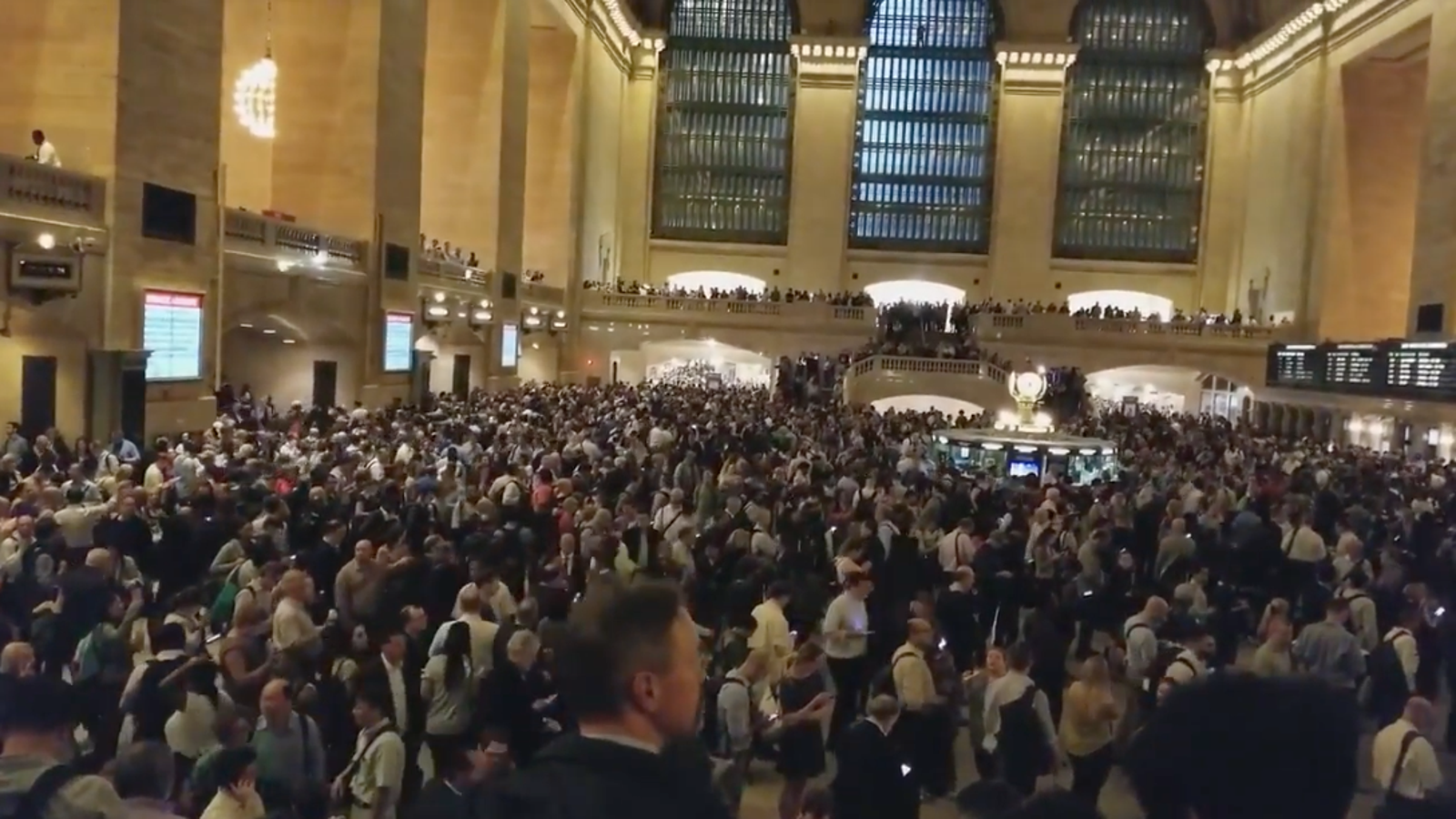 NYC's Grand Central Became A Madhouse The Moment Severe Weather Hit The City