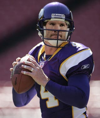 Leaves Are Turning And Brett Favre Is >> Brett Favre As A Viking And The Importance Of Your One True Hate