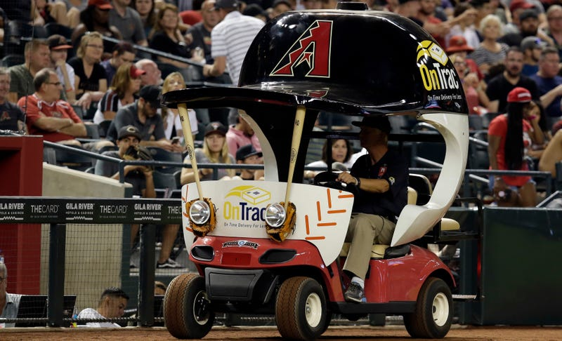 Illustration for article titled They Finally Used The Bullpen Cart!