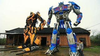 Illustration for article titled Father And Son Build Giant TransformersOut Of Used Car Parts