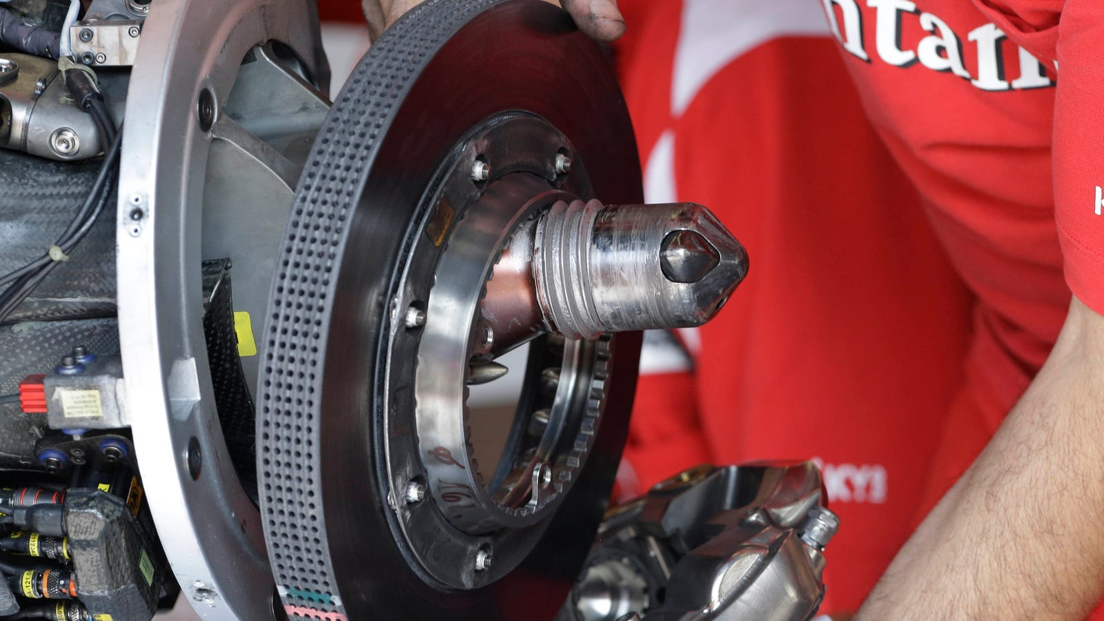 Using Car Brakes : Formula s brakes are pushing the very edges of human