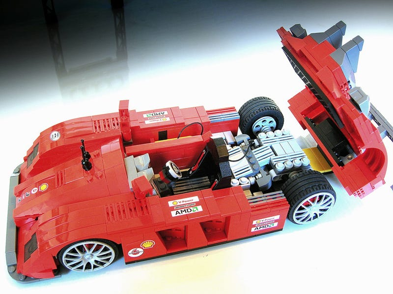 Illustration for article titled Lego Maniac Inspires Us With Amazingly Detailed Lego Cars