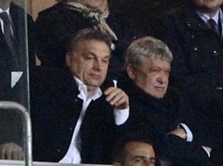 Illustration for article titled Így még soha senki nem szívatta meg Orbán Viktort