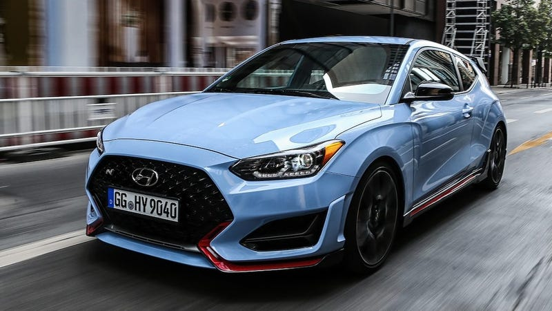 Illustration for article titled The Hyundai Veloster N runs on sweet blessed REGULAR UNLEADED FUEL