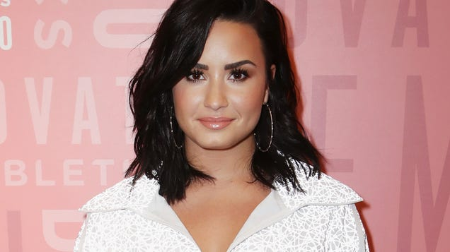 pgpwb5ajhpehalwufck5 - Report: Demi Lovato Rushed to Hospital After Obvious Heroin Overdose
