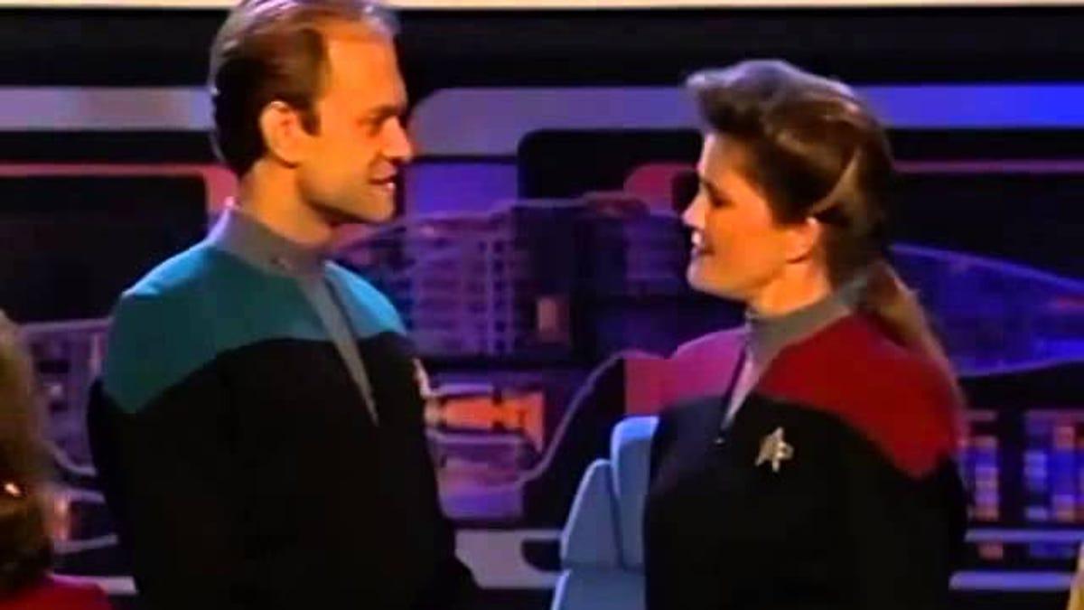 It's 3 p m , let's revisit the Frasier/Star Trek: Voyager