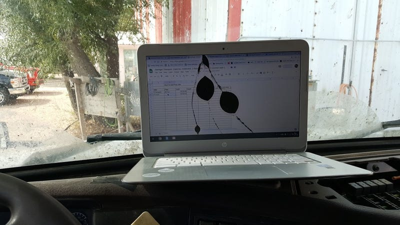 Illustration for article titled Guess the dashboard and win this laptop!
