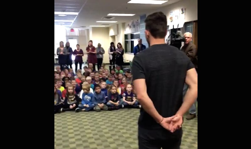 Illustration for article titled Blair Walsh Visits Minnesota First-Graders Who Sent Him Supportive Letters