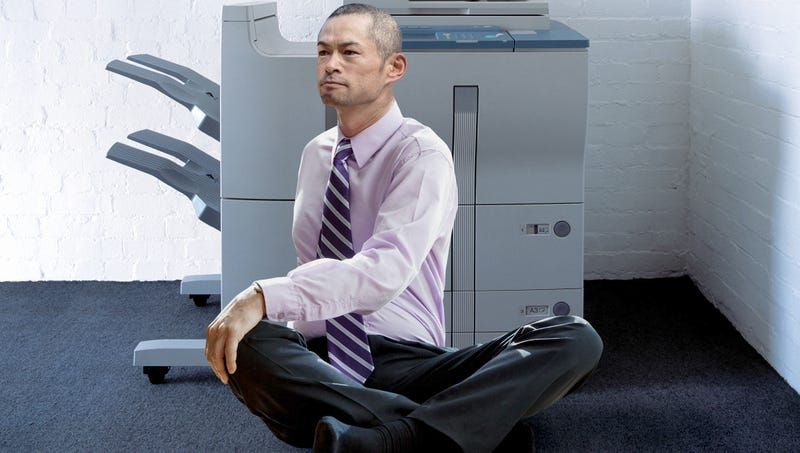 Illustration for article titled Mariners' Staff Tired Of Ichiro Suzuki's Long Warm-Up Routine Before Using Scanner