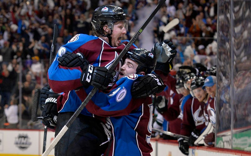 Illustration for article titled Nathan MacKinnon Shows The Grown-Ups How It's Done