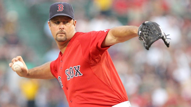 Illustration for article titled Tim Wakefield Is Retiring After 19 Weird, Fluttery Seasons And 200 Wins