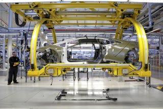 El minucioso proceso de construir un Lamborghini, foto a foto