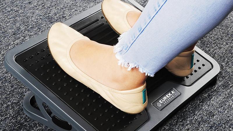 EUREKA ERGONOMIC Tilt Adjustable Footrest | $25 | Amazon