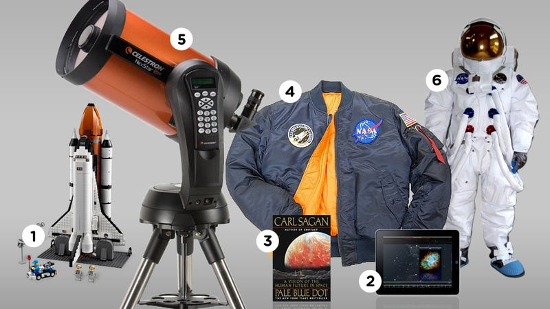 Illustration for article titled Guaranteed Awesome Gifts for Space Nerds