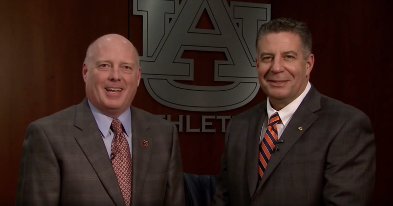 Rod Bramblett alongside Auburn men's basketball coach Bruce Pearl.