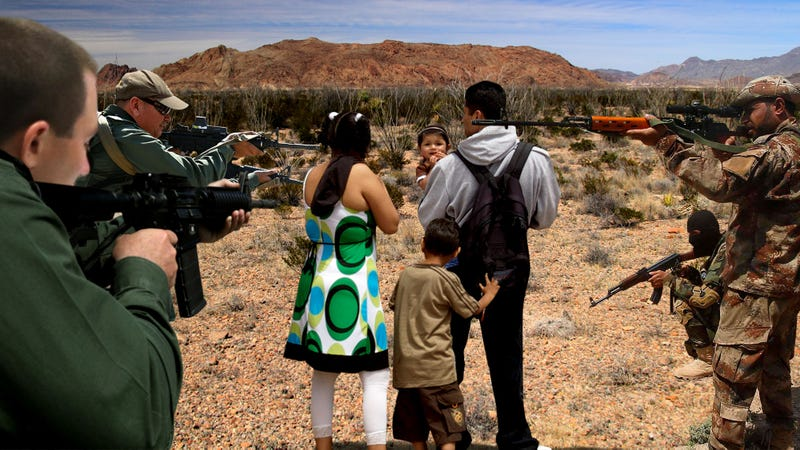 Illustration for article titled Border Patrol Authorities, Militia In Tense Standoff Over Claim To Detain Migrant Family They Caught At Same Time
