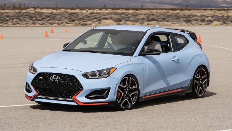 Illustration for article titled The Hyundai Veloster N Is So User-Friendly You Can Learn Stick and Autocross It in a Day