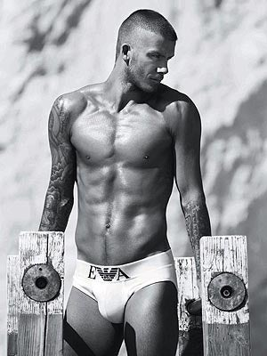 Illustration for article titled Beckham Happens To Have The Kind Of Body That Excites Both Persuasions