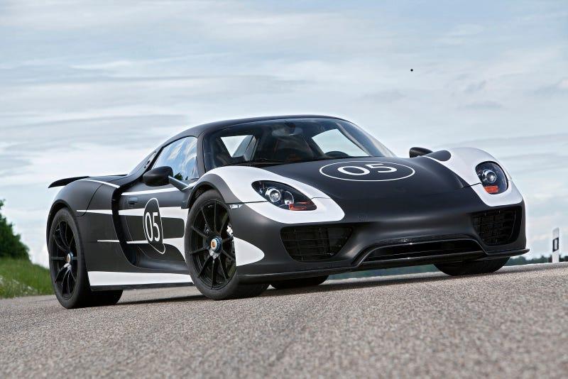 Illustration for article titled Porsche 918 Spyder Gallery