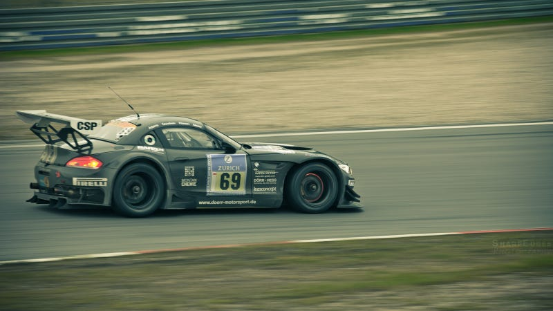Illustration for article titled Your ridiculously cool BMW Z4 GT3 wallpaper is here