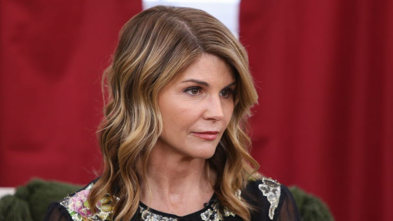 Illustration for article titled USC Insists Lori Loughlin's Daughter Was Admitted Solely Based On Socioeconomic Background