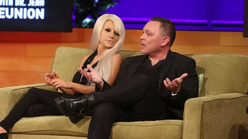 Illustration for article titled Welp, Courtney Stodden and Doug Hutchison Are Having a Baby