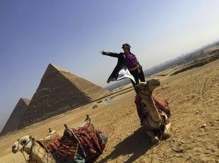 Illustration for article titled The Pyramids Make for a Great Cosplay Location