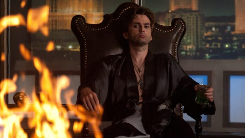 Illustration for article titled David Tennant shows off his big vampire-slaying gun in new Fright Night stills