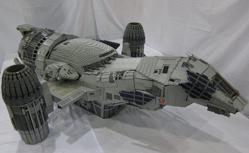 Illustration for article titled Seven-foot long minifig-scale Serenity model is a Lego masterpiece [Updated]