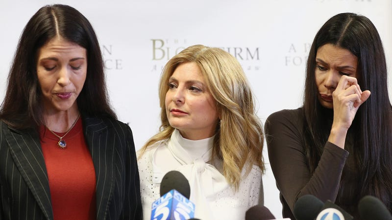 Dadis (L) and Simons (R) with attorney Lisa Bloom.