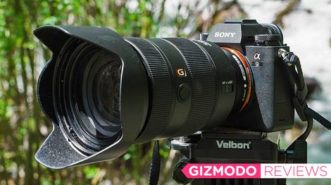 The Gigantic 8X Zoom Lens on Sony's RX100 VI Does What Your