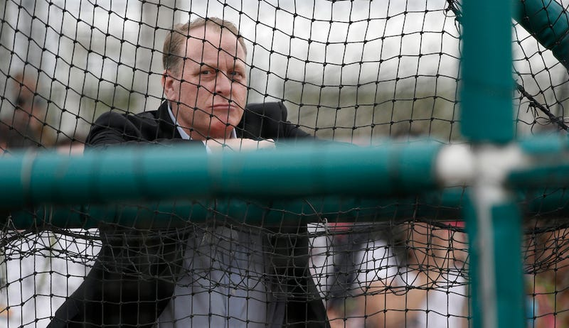 Illustration for article titled Curt Schilling Emails Blogger To Clarify His Thoughts On Nazis And Muslims