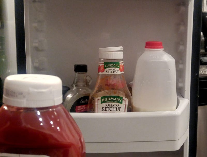 Illustration for article titled New Ketchup Gets Horrifying Look At Grisled, Almost Empty Bottle It Replacing