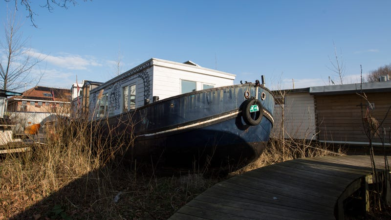 An iconic De Ceuvel houseboat