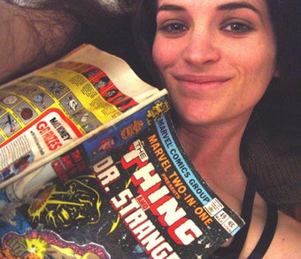 Illustration for article titled Hot Nerds Reading Comics: A Blog For Supes And Dreamboats